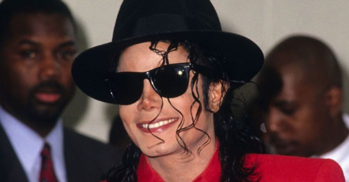 Michael Jackson Is Alive? Fans Thinks So